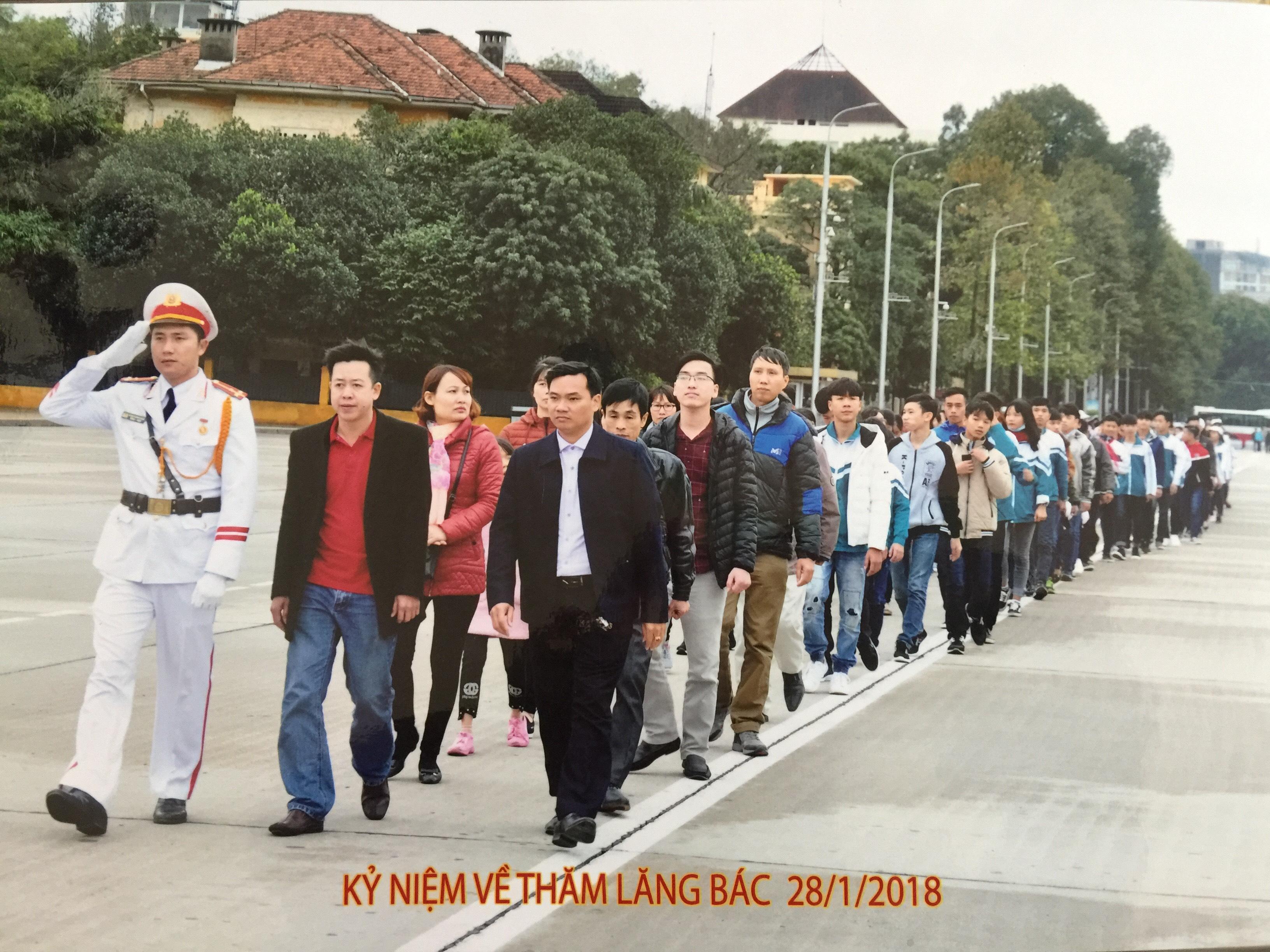 Trường THCS Hoàng Ngân báo công dâng Bác và tìm hiểu nét văn hóa của 54 dân tộc Việt Nam